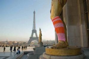 Auch in Paris sind die Guerilla-Knitters schon aktiv.