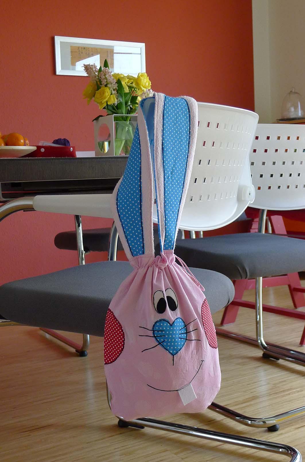 wohin mit den eiern bernina blog. Black Bedroom Furniture Sets. Home Design Ideas