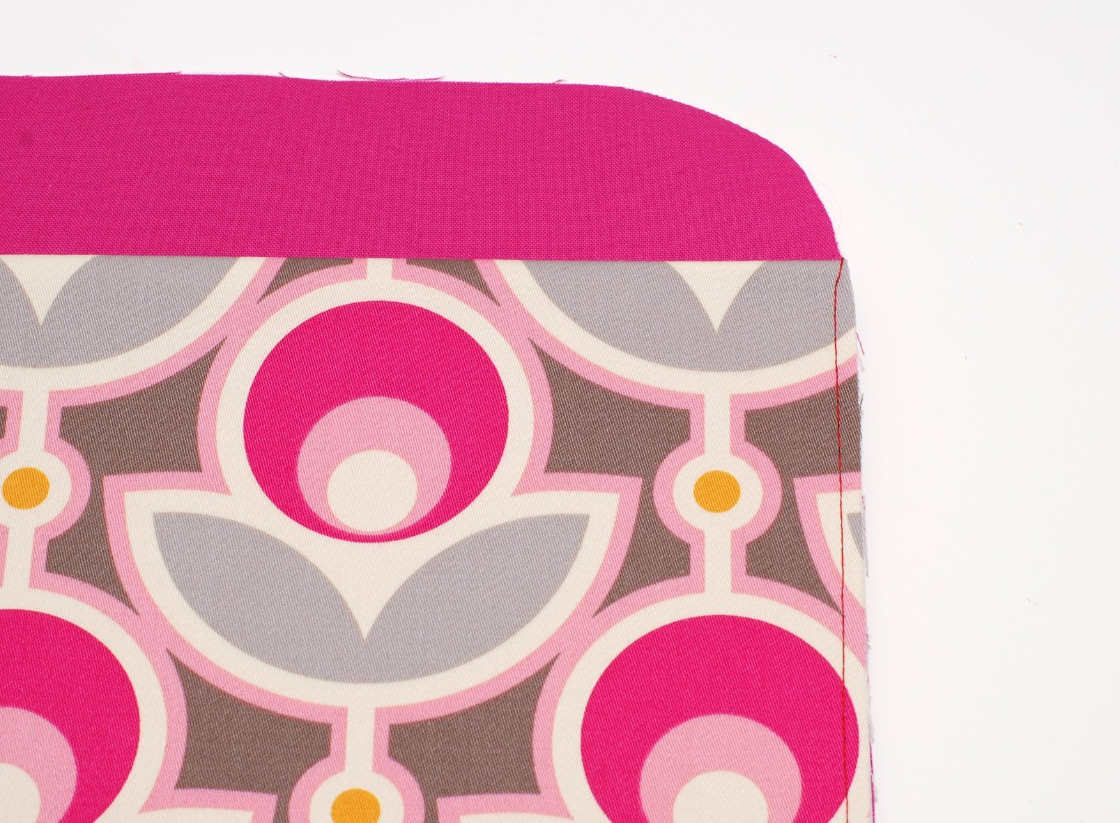 Ein neues Kleid für meine Bernina › BERNINA Blog -> Nähmaschine Erfindung