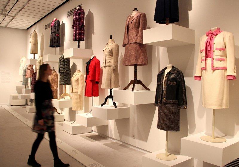 """""""Mythos Chanel"""", Ausstellungsansicht 2 Foto: Michaela Hille"""