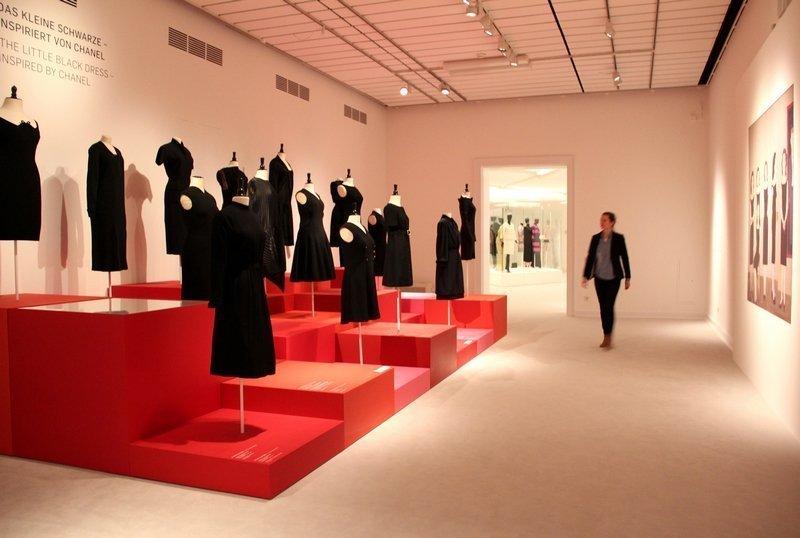 """""""Mythos Chanel"""", Ausstellungsansicht 5 Foto: Michaela Hille"""