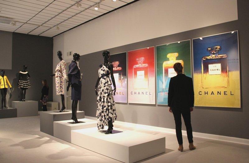 """""""Mythos Chanel"""", Ausstellungsansicht 6 Foto: Michaela Hille"""