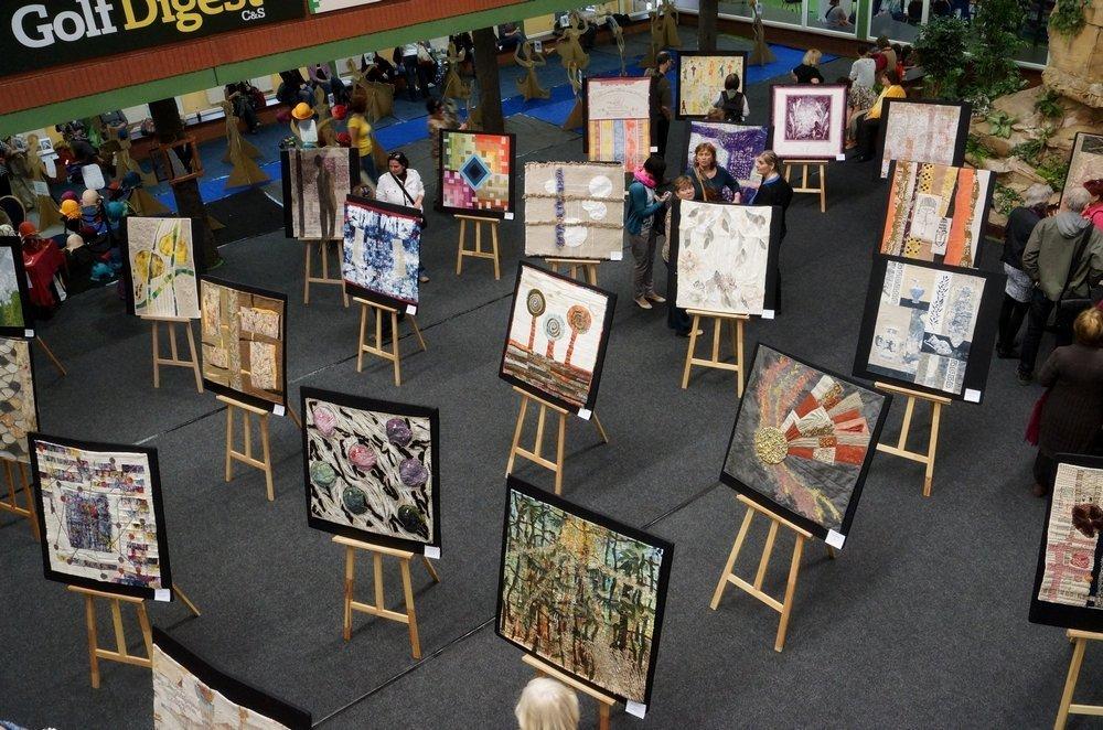 """Ausstellung des Art Quilt Club CZ zum Thema """"Leinen"""""""