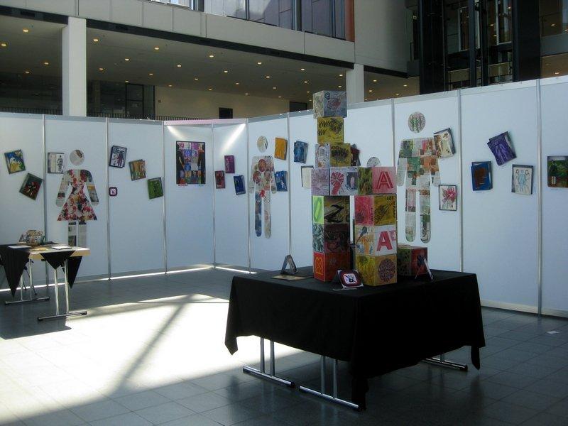 Blick auf die Ausstellungen von Jutta Hellbach