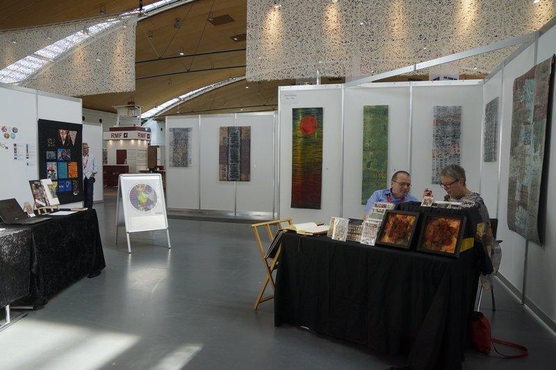 """Blick in die Ausstellung """"Inside Passage"""" von Claudia Helmer"""