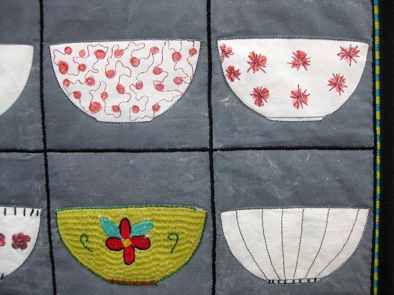 """Ausstellung """"Aus der Küche"""": Elsbeth Nusser-Lampe (DE) & Narges (AF): Two teacups for Afghanistan, Detail"""