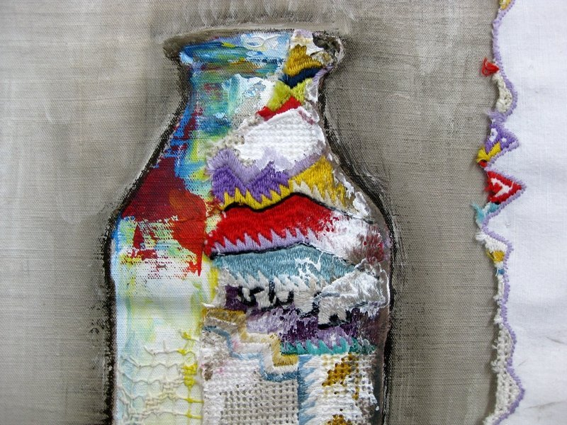 """Ausstellung """"Aus der Küche"""": Anne Guibert-Lassalle (FR) & Zwaila (AF): Milk Bottle, Detail"""