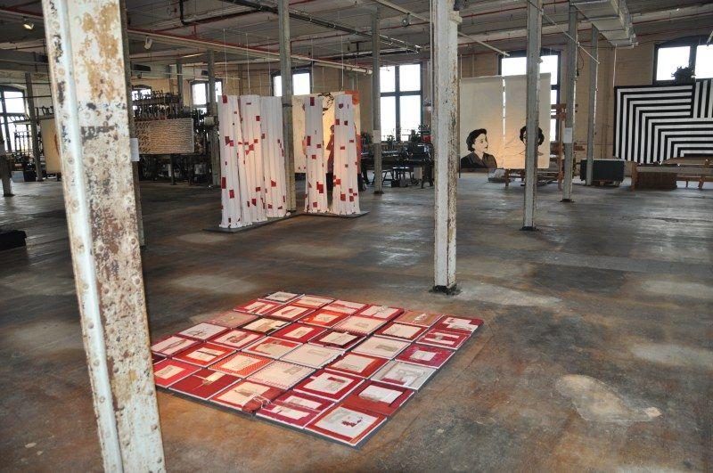 Blick in die Ausstellung in Bocholt Foto: Sibylla Schuldt