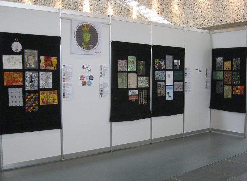 Blick in die Ausstellung bei der NADELWELT 2014 Foto: Gudrun Heinz