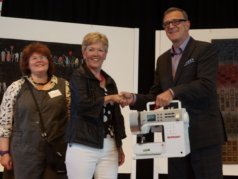 Herzlichen Glückwunsch an Edda Frei - Gewinnerin der BERNINA 350 PE
