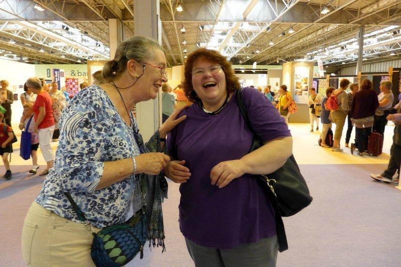 Christine und Gudrun haben Spass