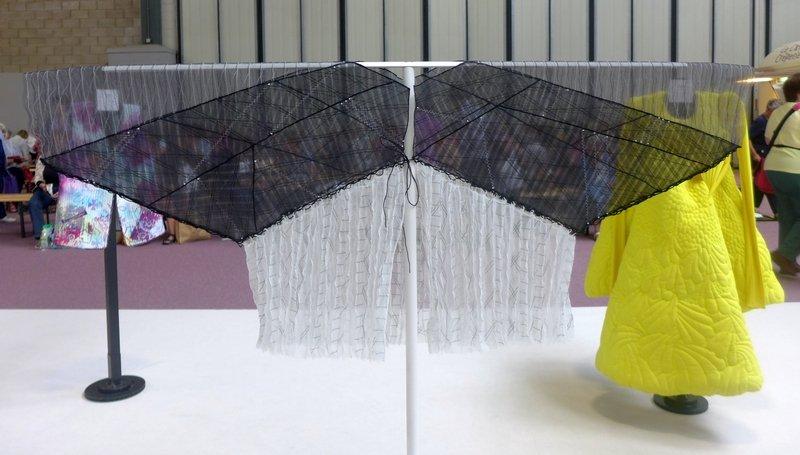 Anthea Vaal: 'Parasol Jacket 4 '  (2. Preis in der Kategorie 'Quilt Creations')