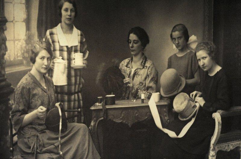Blick in die Werkstatt einer Modistin, 1920er Jahre © LVR-Industriemuseum
