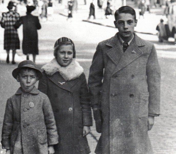 Kinder auf der Kölner Domplatte, um 1940 Bild: LVR-Industriemuseum
