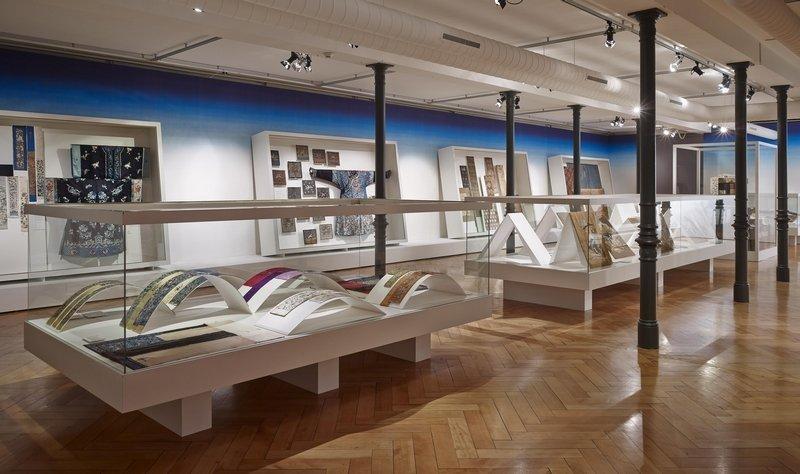 Ausstellungsansicht 'Kirschblüte & Edelweiss' Foto: Urs Bigler 2014