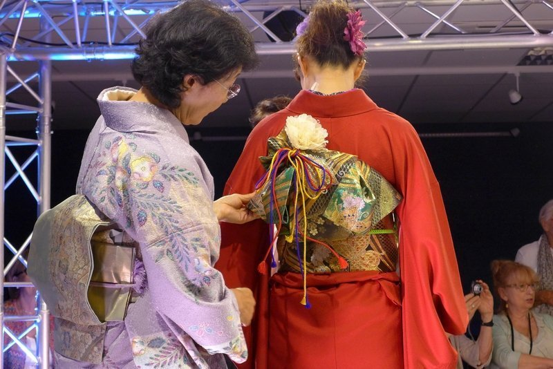 Kimono-Show der Japan Handicraft Instructors' Association