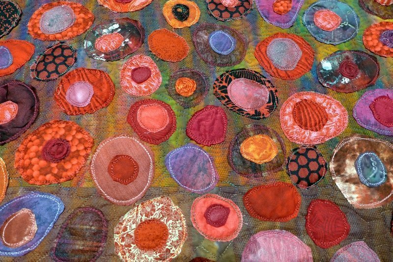 Jana Sterbova (CZ): Poppy Field, Detail Ausstellung 'Red'