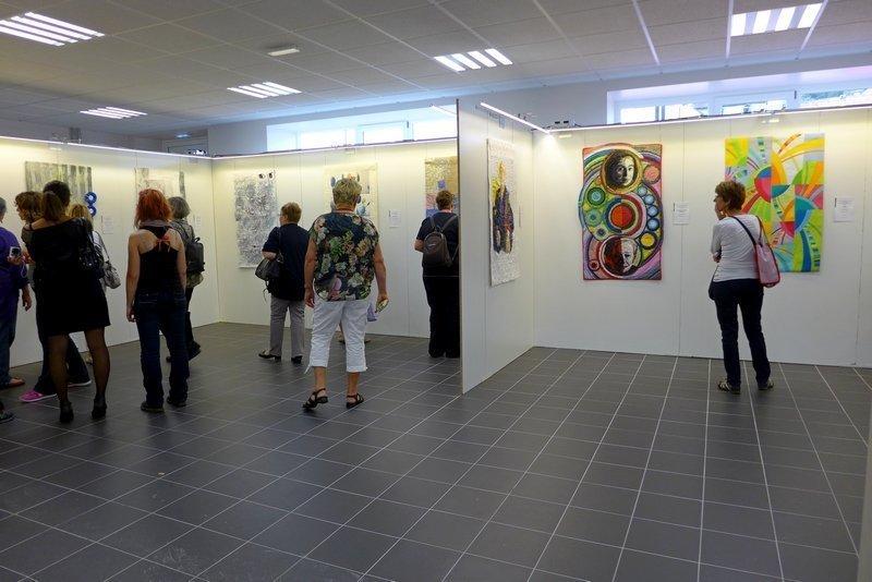 Blick in die Ausstellung des Internationalen Wettbewerbs des Europäischen Patchwork Treffens 'Imagination - Stell dir vor ...'