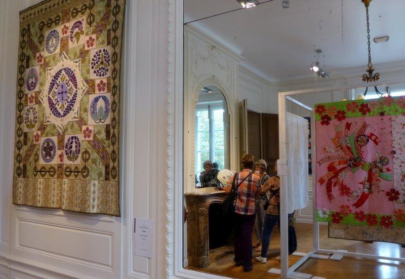 Blick in die Ausstellung der Japan Handicraft Instructor's Association