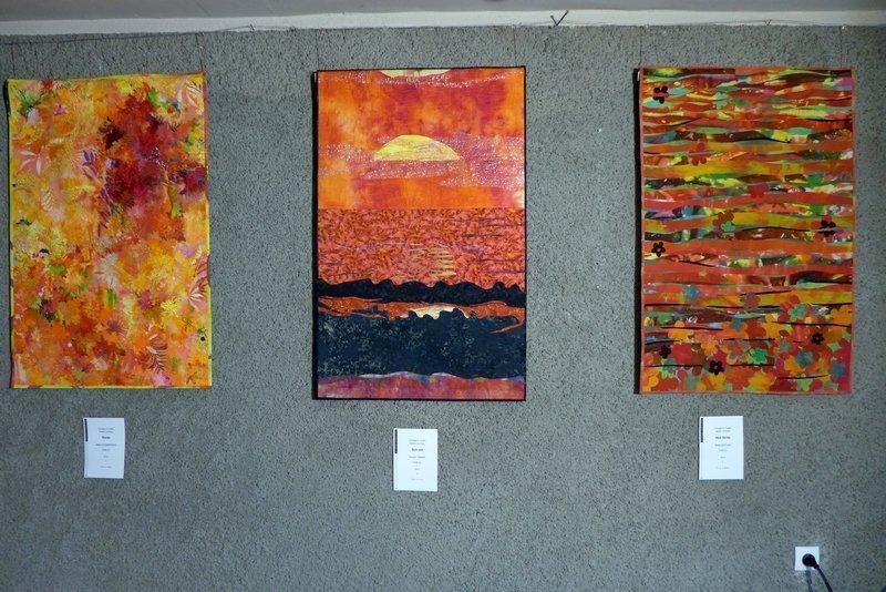 Maya Chaimovich (ISR): Roots, Shoshi Rimer (ISR): Sun set, Bella Kaplan (ISR): Red Fields Ausstellung 'Reise durch Israel'
