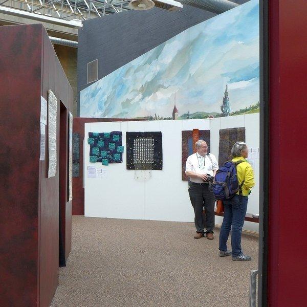 Blick in die Ausstellung 'Das Europäische Patchwork Treffen und seine Künstlerinnen von 1994 bis 2014′