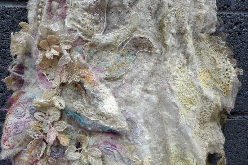 Sylvie Ladame (F): La Robe, Detail