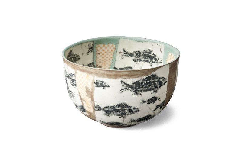 Möhwald, Martin: Schale Keramik, Höhe: 10 cm, Durchmesser: 19 cm Foto: Reinhard Hentze