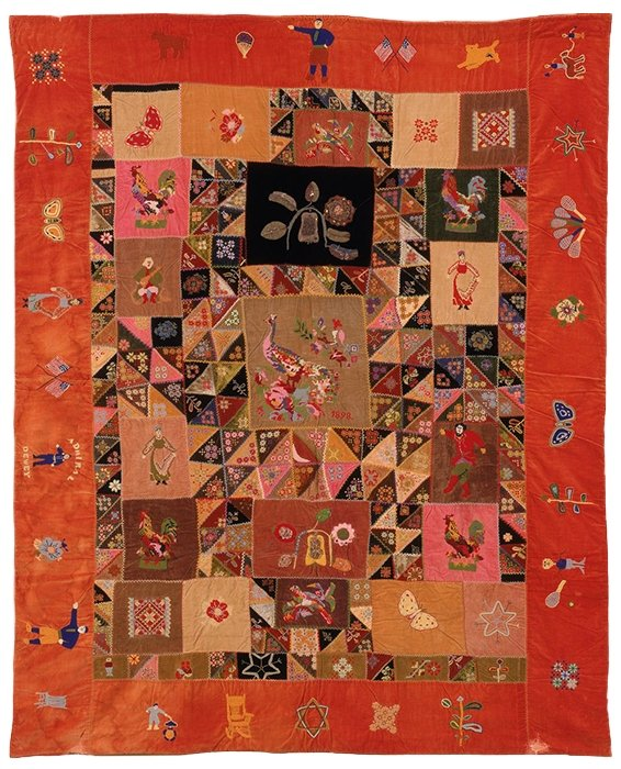 A Russian-American Quilt Quilt, Russland und United States, circa 1899  Samt, mit Wolle, Seide und Metallfaden bestickt, Glasperlen, 81 1/2 × 65 inches.  The Jewish Museum, New York, Purchase: Judaica Acquisitions Fund, 1986-119.  Foto: Joseph Sachs