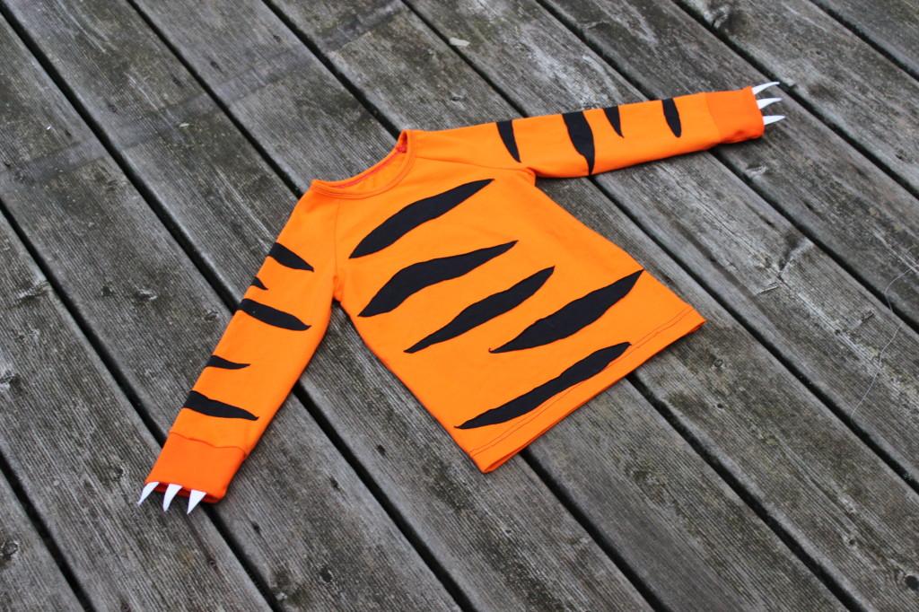 Nähanleitung Krallen-Bündchen, ein Kinderkostüm für Drache oder Tiger mit Kluntjebunt im Bernina Blog.
