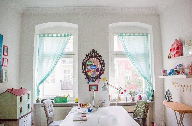 diy anleitung einen vorhang schlaufenschal selbst n hen bernina blog. Black Bedroom Furniture Sets. Home Design Ideas