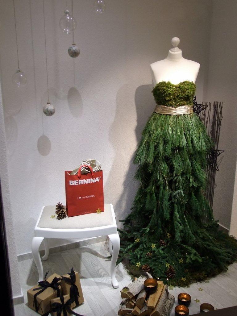 Weihnachts-Dekoration auf Schneiderinnen-Art.