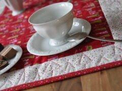 Tischläufer für Nähanfänger mit freihand-gequiltetem Rand