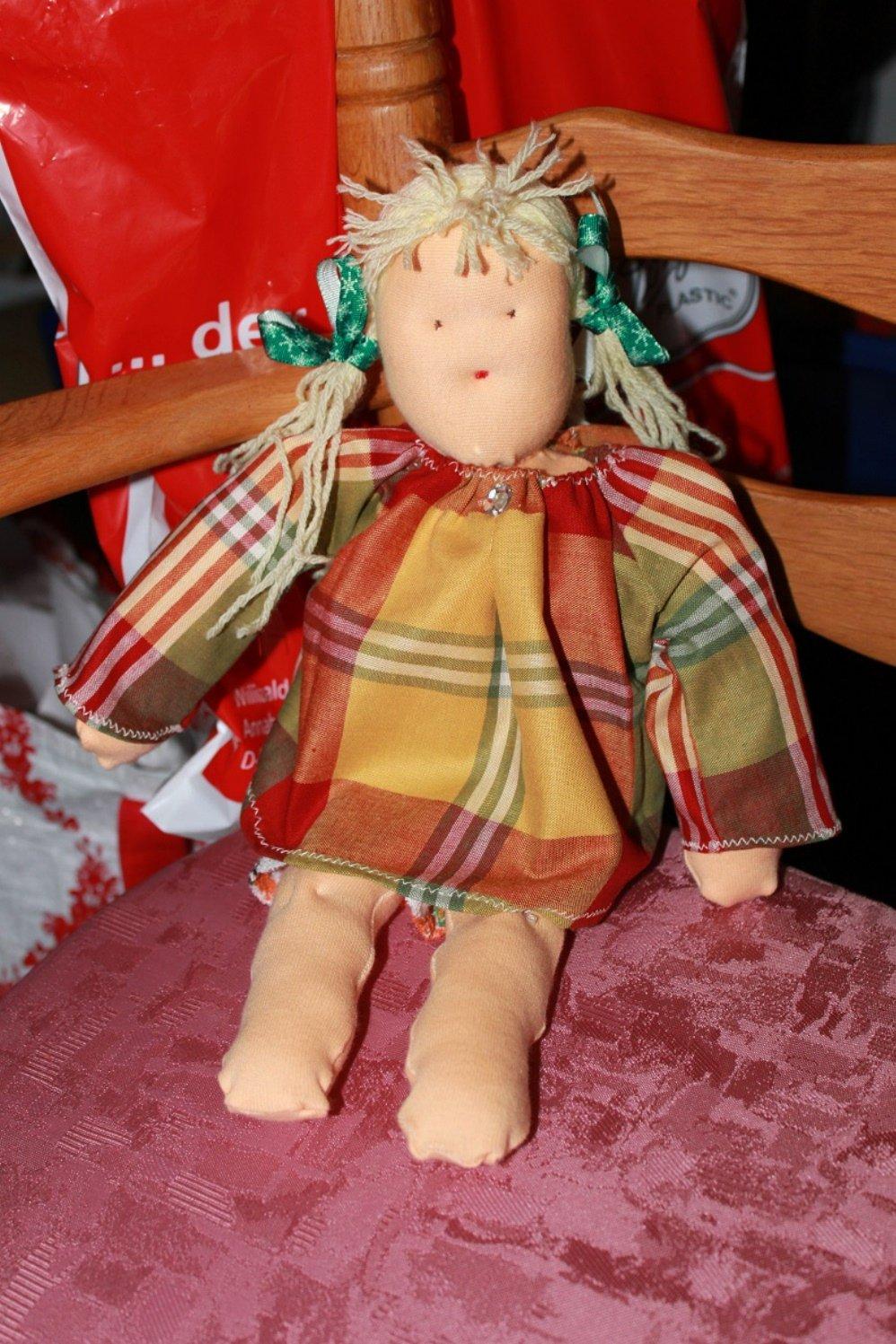 BERNINA-Mitmachaktion 2014: Puppen nach Waldorfart