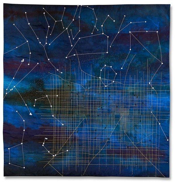 Janine Ayres (UK): Dark Skies Foto vom Deutschen Textilmuseum zur Verfügung gestellt