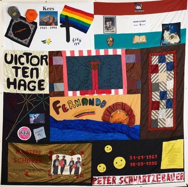 Block 22 des 'Niederländischen Aids-Memorial-Quilts', 2007 3,80 x 3,80 m  © stichting NAMENproject Nederland – NAMES Project Netherlands Foundation Foto: Ute Franz-Scarciglia