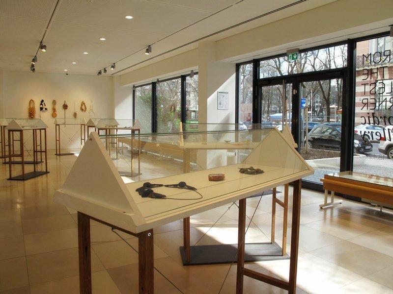 Ausstellungsansicht Foto von der Galerie Handwerk, München, freundlicherweise zur Verfügung gestellt