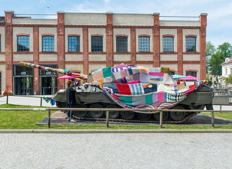 Die Verwandlung des Panzers schreitet voran Foto: Felix Weinold