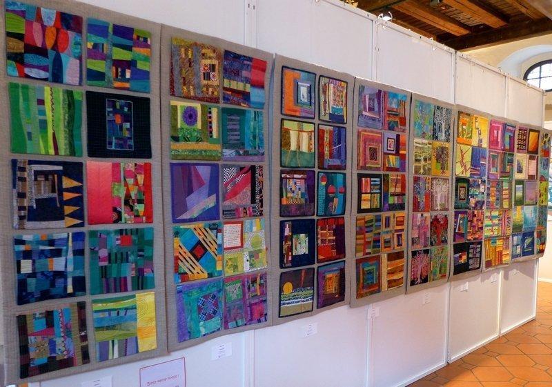 Blick in die Ausstellung 'Textile Dialoge' - Gruppe LIMERIA