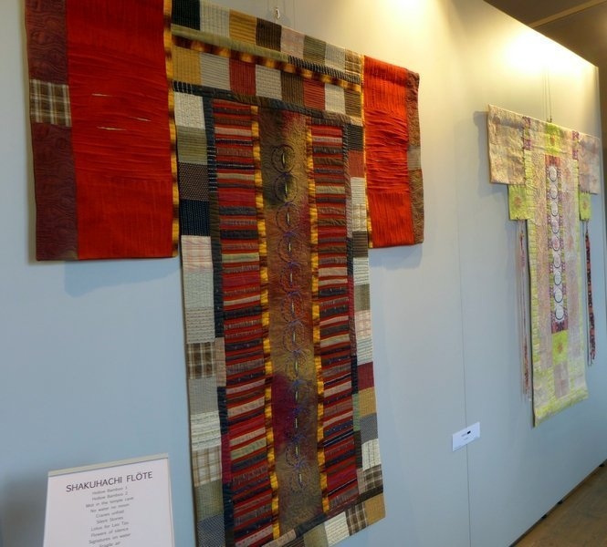 Pia Welsch: Kimonos Ausstellung 'Musik trifft Stoff' - Network Quilters