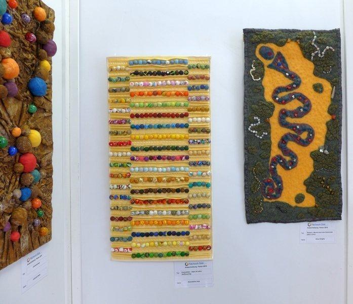 Serpent + Mound (nach dem Zeremonialplatz in Ohio) (re) Ausstellung 'Perlenquilts' - Ausschreibung der Patchworkgilde
