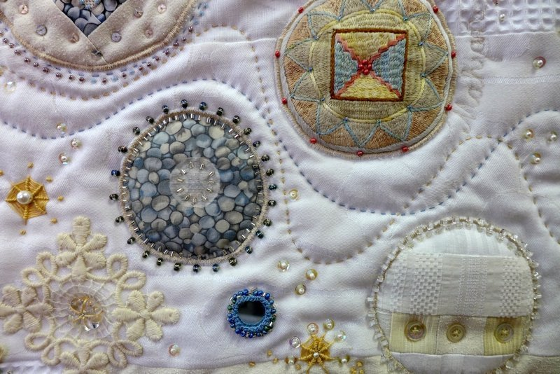Ursula Brenner: Geburtstagsperlen, Detail Ausstellung 'Perlenquilts' - Ausschreibung der Patchworkgilde