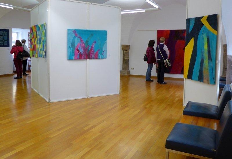 Blick in die Ausstellungen von Heike Dressler und Tina Mast