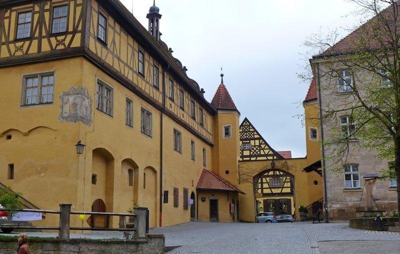 Innenhof des Heilig-Geist-Spitals, Dinkelbühl