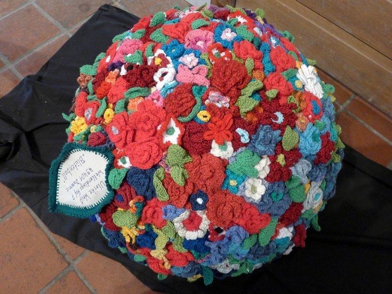 Ulrike Weiss: Blütenball Ausstellung: 3D - Ausschreibung der Gilde