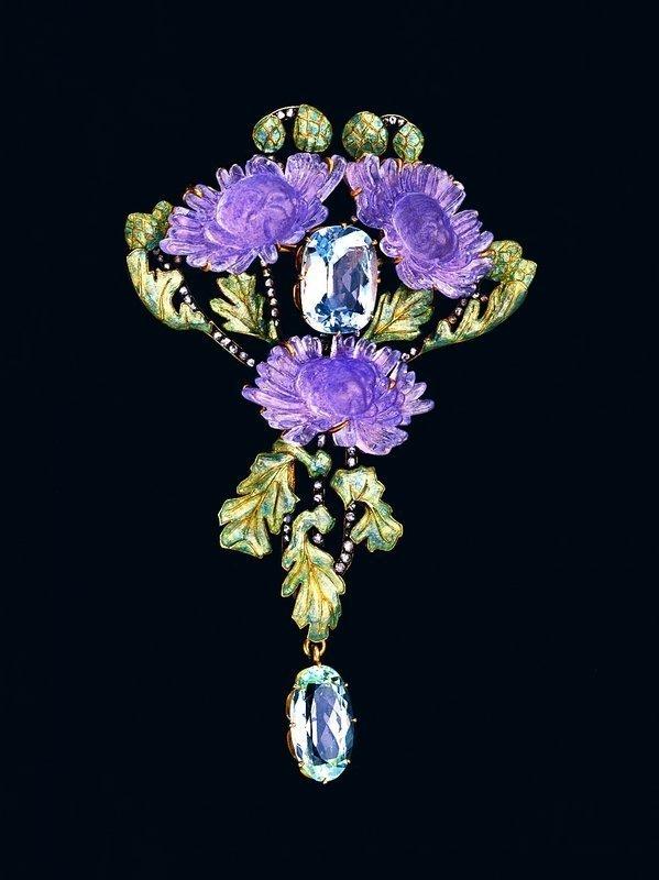 Brosche Gold, Glas, Aquamarine, Diamanten René Lalique Paris, um 1902 Schmuckmuseum Pforzheim © VG Bild-Kunst, Bonn 2015* Foto: Günther Meyer