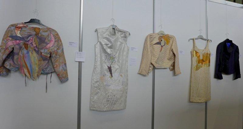 Blick in die Ausstellung von Elena Bessières 'Collection Bruissement d'Elles'