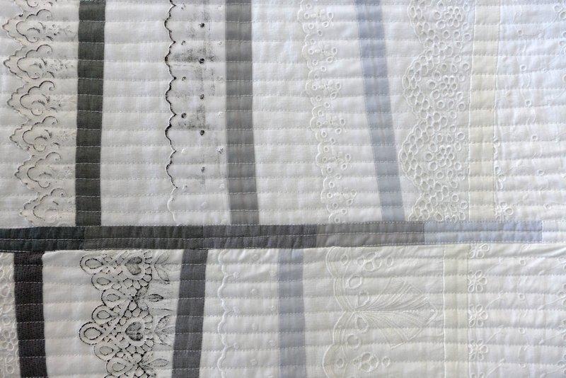 Piroska Pasztor: Stoffgeschichten II, Detail Modern Movement: Ausstellung 'Passages'