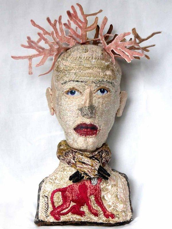 Rijswijk Textile Biennial 2015 Monica Bohlmann: La Biche, 30 x 16 x 10 cm, 2014 Foto: Monica Bohlmann