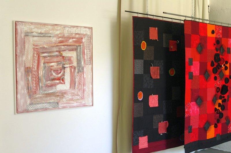 Ausstellung 'Aus Liebe zum Quadrat' von Martina Unterharnscheidt Foto freundlicherweise von Martina Unterharnscheidt zur Verfügung gestellt