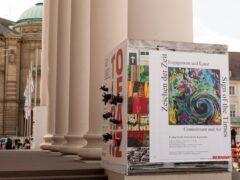Vorbereitung der Ausstellung 'Zeichen der Zeit' Foto: Dr. Wolfgang Heinz